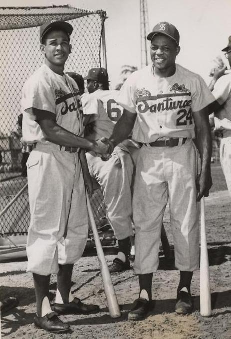 http://90feetofperfection.files.wordpress.com/2011/08/willie-mays-ruben-gomez-in-puerto-rico-league1.jpg?w=463&h=678