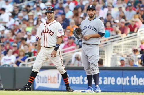 Twins vs Royals throwbacks