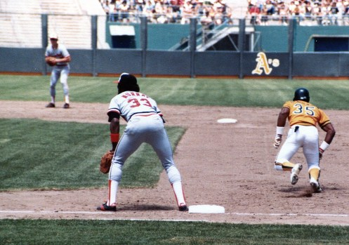 Rickey Henderson Stealing against Orioles
