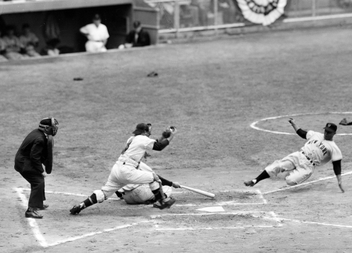Monte Irvin Steals Home 1951