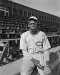 satchel-paige-1933-barnstorming-with-royal-giants-in-la2
